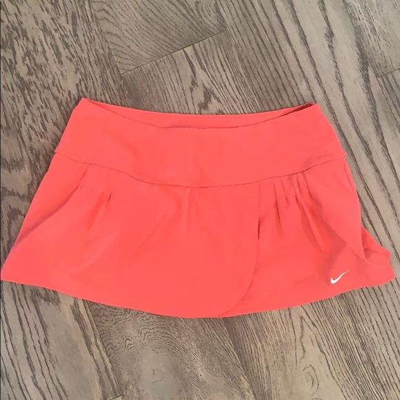 Nike tennis skirt size medium